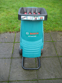 Bosch AXT Rapid 2200 Blade Garden Shredder with 40 mm Cutting Capacity