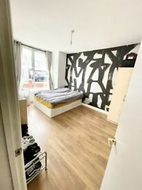 Rent Double Room 10mins walk to Enfield Lock Station