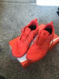 Nike air roshe hyperfuse size 7.5 fits like an 8