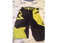 Raceface mountain bike shorts downhill Enduro DH