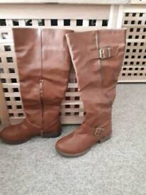 High boots size 4