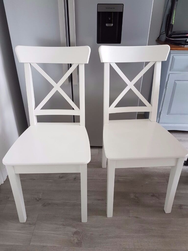 4 WHITE CHAIRSin BridgendGumtree - FOR SALE 4 X WHITE CHAIRS EXCELLENT CONDITION LESS THAN 6 MONTHS OLD. SELLING DUE TO CHANGING KITCHEN LAYOUT. £80 FOR all 4
