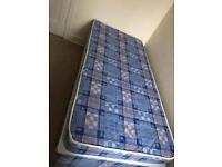 Single divan bed. Like new!!