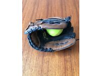 Rawling Youth leather Softball/baseball glove