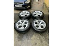 """Genuine Range Rover Land Rover 20"""" alloy wheels and tyres (Like New!)"""