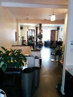 Esthetician needed for Greene avenue, Westmount