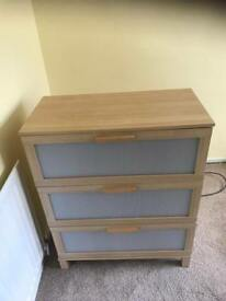 Ikea chest of drawers can deliver