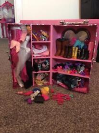 Barbie wardrobe & accessories