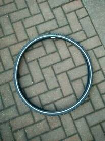 Studded road bike tyre