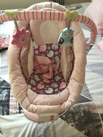 Pink baby chair sound and vibrates