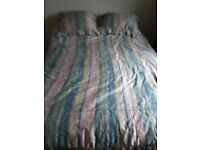 Bed spread double and 2 pillows