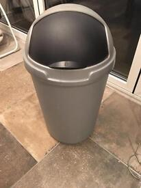 Kitchen bin curver make. 50l
