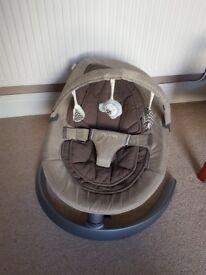 Nuna Leaf Baby Chair with Toy Bar