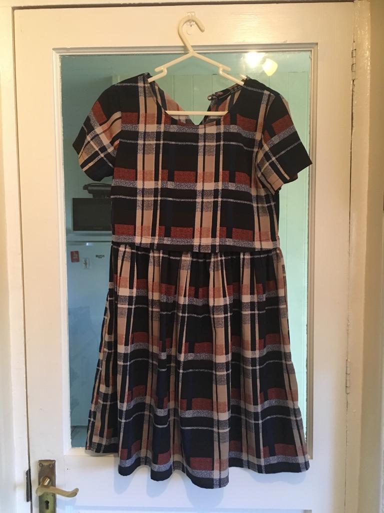 Size 8 checked skater dress