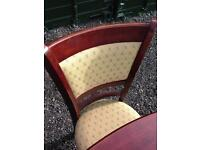 Lovely Extendable Table and 4 Chairs