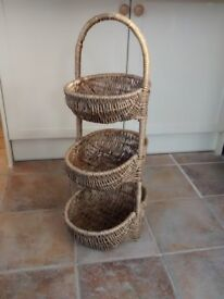Wicker vegetable basket-French.