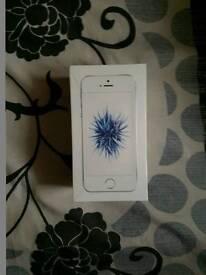 I phone se 16gb sliver brand new boxed