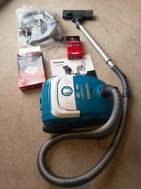 Hoover Whirlwind 2000W (out of order) and accessories