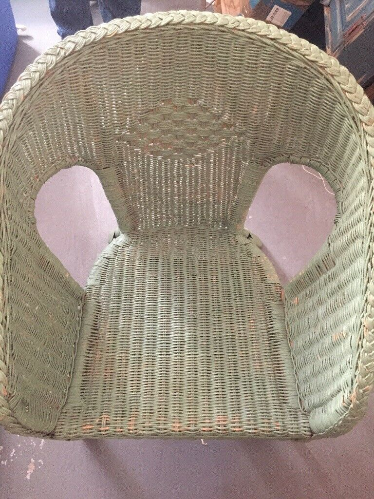 Vintage 80's rattan/wicker chair