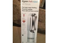 Brand new Dyson Hot + Cold Fan Heater AM09 White Silver £120 off RRP