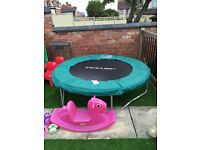 6ft Trampoline with net enclosure