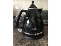 Dēlonghi black Kettle and toaster set