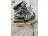 Mens Asolo Fugitive goretex boots size 7