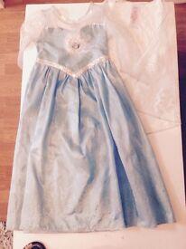 Elsa dressing up dress (5-6yrs)
