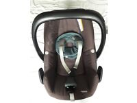 Maxi Cosi peble car seat, cover and foot muff