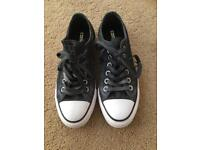 Ladies Converse Trainers Size 5 EXCELL