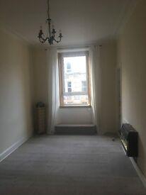 Bright one bedroom flat in Sloan Street.