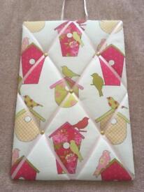 Bird and bird box pin board letter board