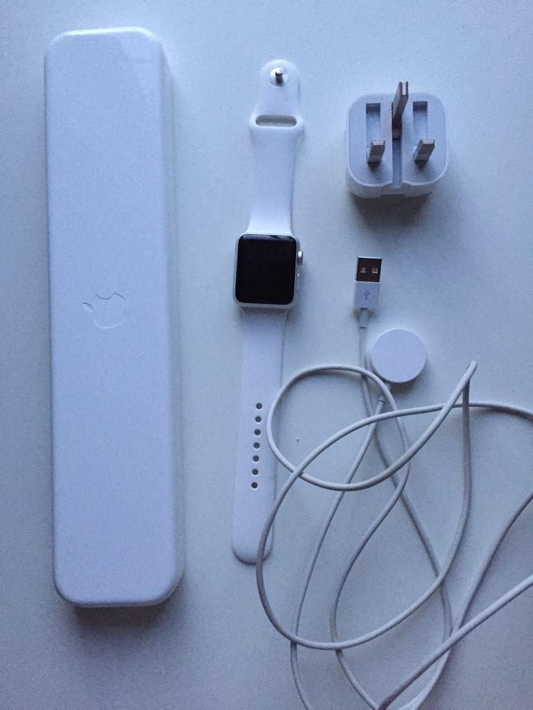 Apple Watch 1st Gen38mmin Reading, BerkshireGumtree - Apple Watch Sport 1st generation 38mm. Comes with s/m white sports band and also the m/l white sports band, also coming with original Apple Watch charger and cable and the original Apple Watch case. Does have a few signs of wear like scratches on...
