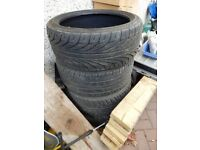 4 x 225x40ZRx18 tyres and 1 x 195x55Rx16 tyre used