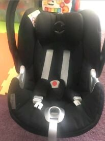 Cybex aton q car seat with cybex isofix base q-fix in excellent condition