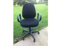 Ergonomic black office / computer / desk swivel chair with armrests (choice of 3)