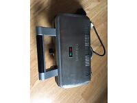 Waffle maker, almost new, used only few times