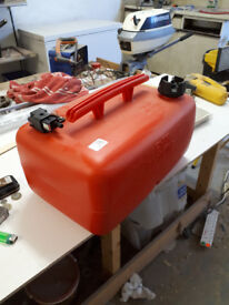 Quicksilver 25 litre fuel tank with quick connector