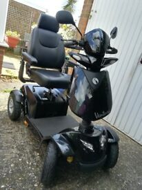 RASCAL VENTURA 8MPH MOBILITY SCOOTER IN AS NEW CONDITION.