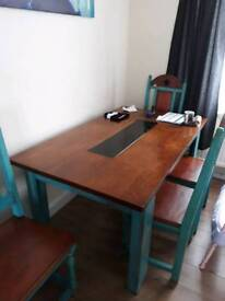 Dining table, Excellent Condition, £10.