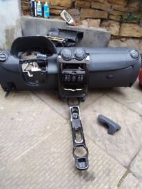 LEFT HAND DRIVE DASHBOARD FOR RENAULT/DACIA DUSTER 4X4