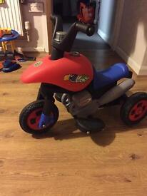 Child's powered trike