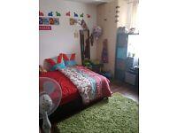 Large ensuite room to rent £750/pm including bills