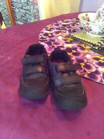 Clarks Boys Shoes Size 1.5 G