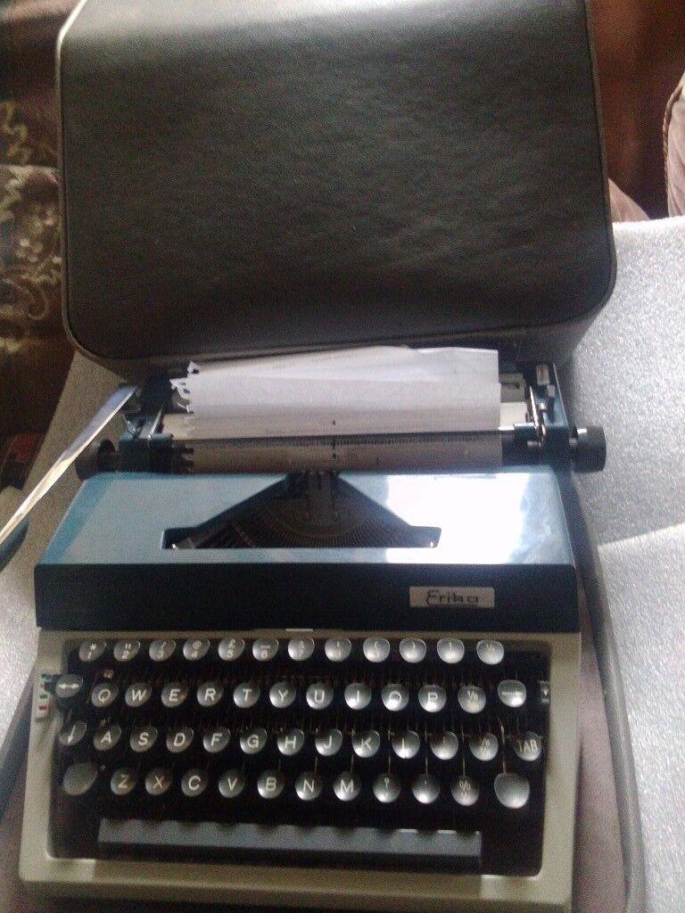 Vintage Erika 40 Typewriter, East Germany 1971