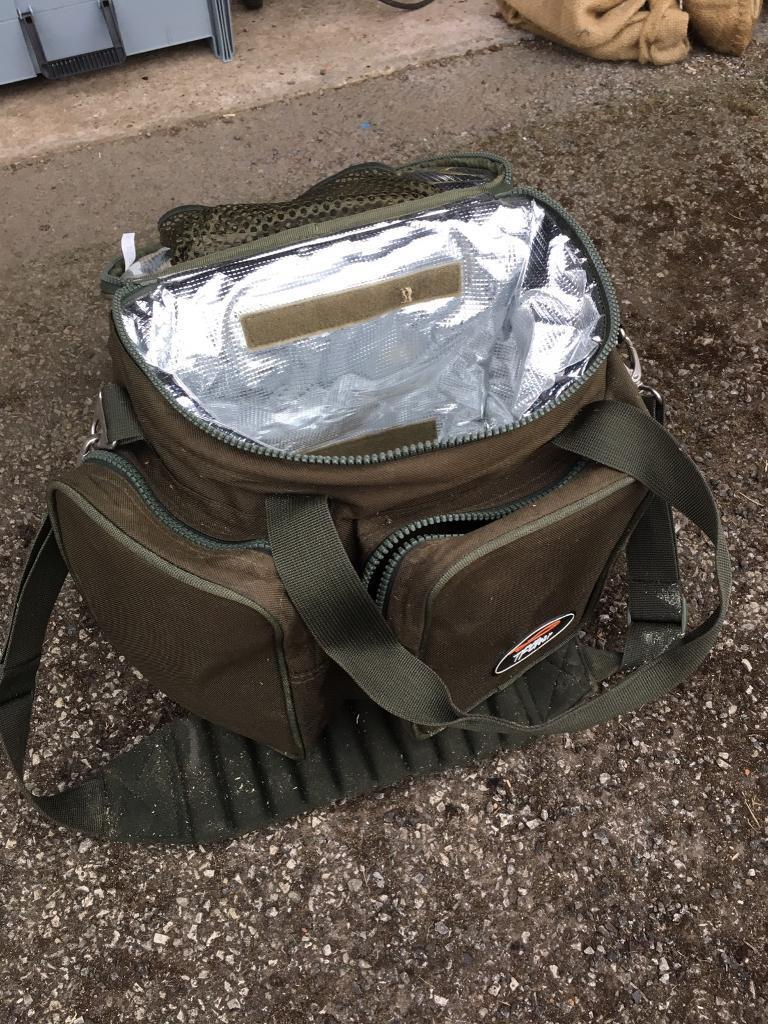 TG Gear Insulated tackle bag vgc loads of zipped pockets.