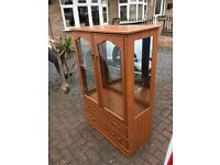 Free standing display cabinet