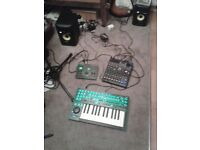 roland aira system-1 plug out synthesizer. very good condition, barely used ,boxed,.