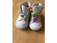 White converse size 2 great condition