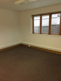 Ground floor commercial rooms to rent